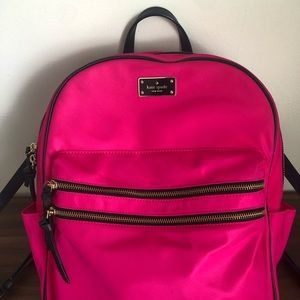 Backpack with 2-way zipper closure